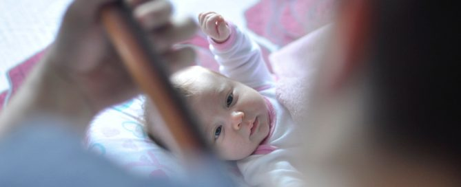 Babymädchen mit 3 Monaten