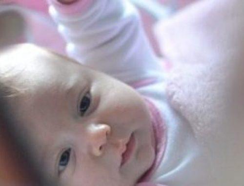3 Monate Babygirl – wie die Geschwisterliebe entsteht