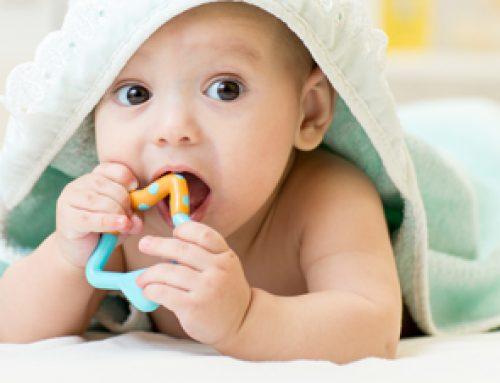Symptome Zahnen Baby: Was tun wenn die ersten Zähne kommen?