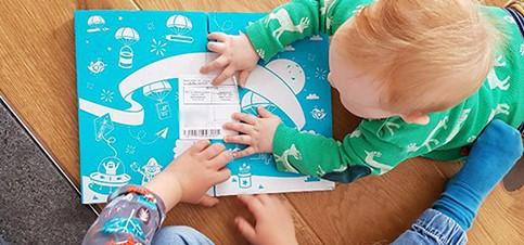Kreative Bastelideen mit Anleitung für Kinder mit dem Bastelbox Abo für Kinder. So geht basteln mit Kindern schnell und einfach. Basteln mit Kindern Herbst