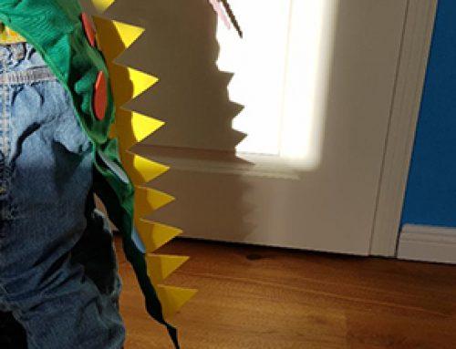 Bastelbox Abo für Kinder: Dinosaurier Maske und Schwanz