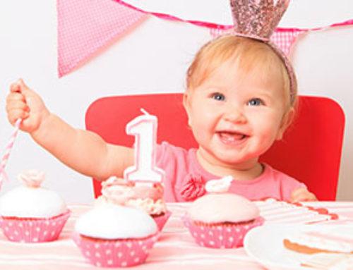 Babys Erster Geburtstag