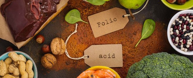 Alles was du über Folsäure bei Kinderwunsch und Schwangerschaft wissen musst. Folsäure in welchen Lebensmitteln? Schon Folsäure Babywunsch? Und wie ist Folsäure Tagesbedarf Schwangerschaft? Folsäure Schwangerschaft - Folsäure in Lebensmitteln