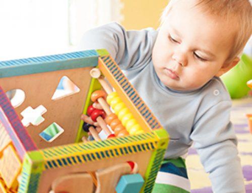 Der Motorikwürfel für Babys und Kleinkinder