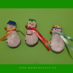 3 süße Schneemänner aus Salzteig - getuscht und mit Acrylstiften