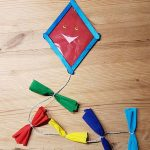 Drachen basteln mit Kindern - Herbstdeko - so sieht der fertige Drache aus