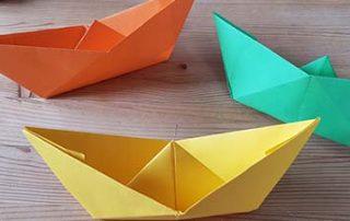 Schiffe auf Papier falten einfach