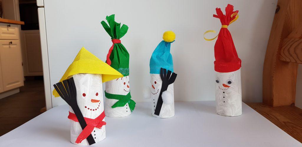 Basteln mit Klopapierrollen - Schneemänner basteln mit Kindern