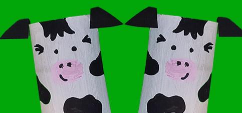 Kühe basteln mit Kindern aus Klopapierrollen
