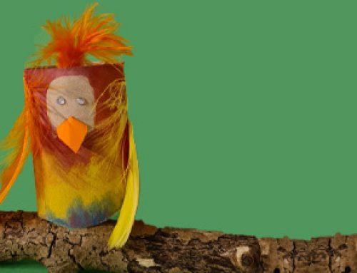 Papagei aus Klopapierrollen basten mit Kindern